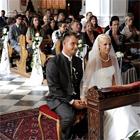 Asientos de los invitados en la Iglesia